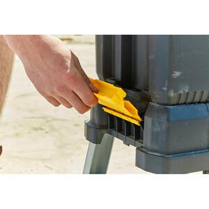 Caisse à outils avec marchepied intégré FMST81083-1_A7.jpg