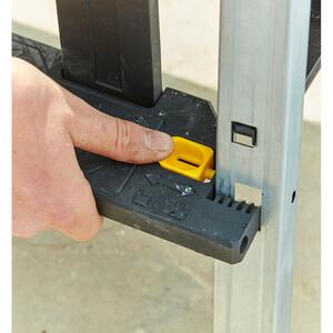 Caisse à outils avec marchepied intégré FMST81083-1_A11.jpg